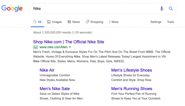 A google ad displaying with sitelinks